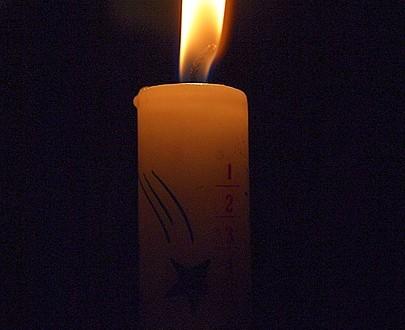 Et tændt julelys